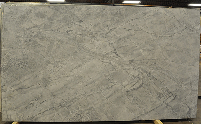 quartzite slabs - brazilian calacata leather