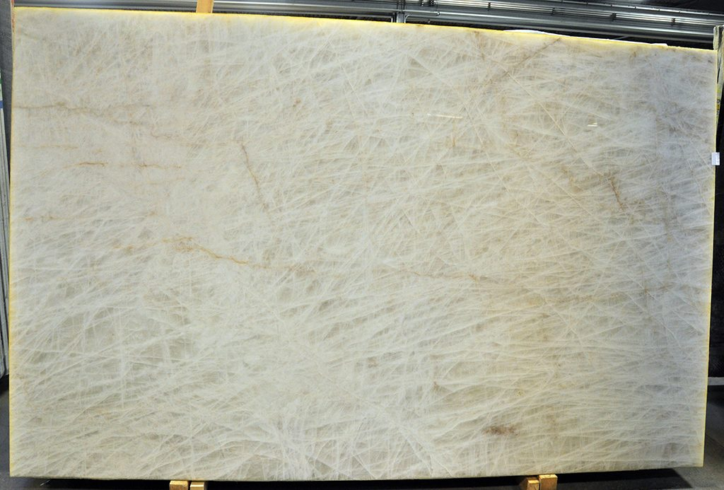Quartzite Iceberg Maxwell 3 cm polished lot # 5- slab size: 121 x 65