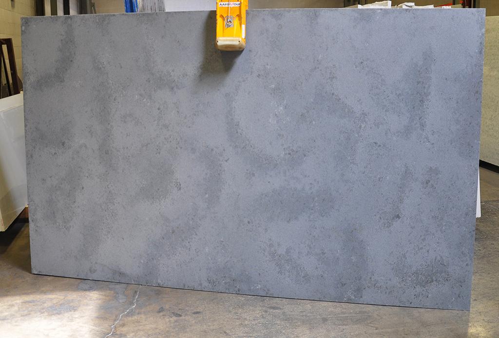 techno quartz pierre blue leather